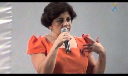 """Salva de um Sequestro, Noticiado em Telejornais, em Circunstâncias para Lá de """"Curiosas"""" – Depoimento de Helma Costa, Assistente Social."""