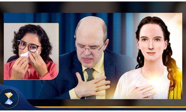Mestra e doutoranda em psicologia recebe mensagem espiritual diante de centenas de pessoas