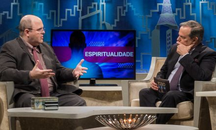 Benjamin Teixeira de Aguiar concede nova e superinspirada entrevista a Ronnie Von