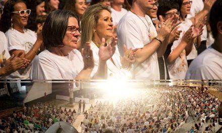 Com caravanas da Inglaterra, do Canadá e dos EUA, 1250 pessoas  lotaram o 1º piso do Espaço Emes, no Evento MARIA Cristo 2017