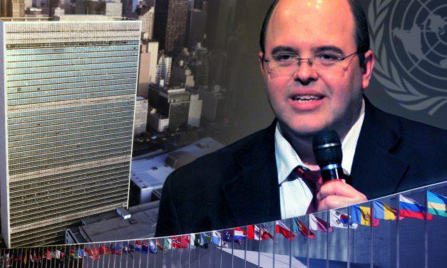 Benjamin Teixeira de Aguiar, em sua palestra anual na ONU (2013).