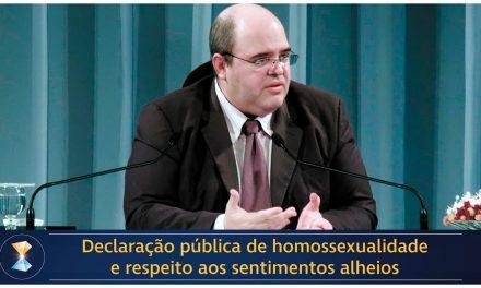 Declaração pública de homossexualidade e respeito aos sentimentos alheios