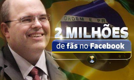 DOIS MILHÕES de fãs na página Facebook (em Português) do líder espiritual Benjamin Teixeira de Aguiar!