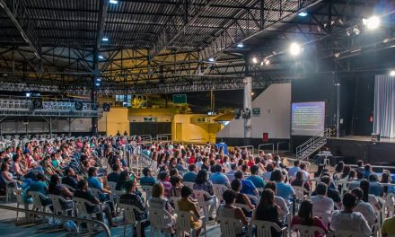 Mais um domingo com grande sucesso de público, na palestra do líder espiritual Benjamin Teixeira de Aguiar